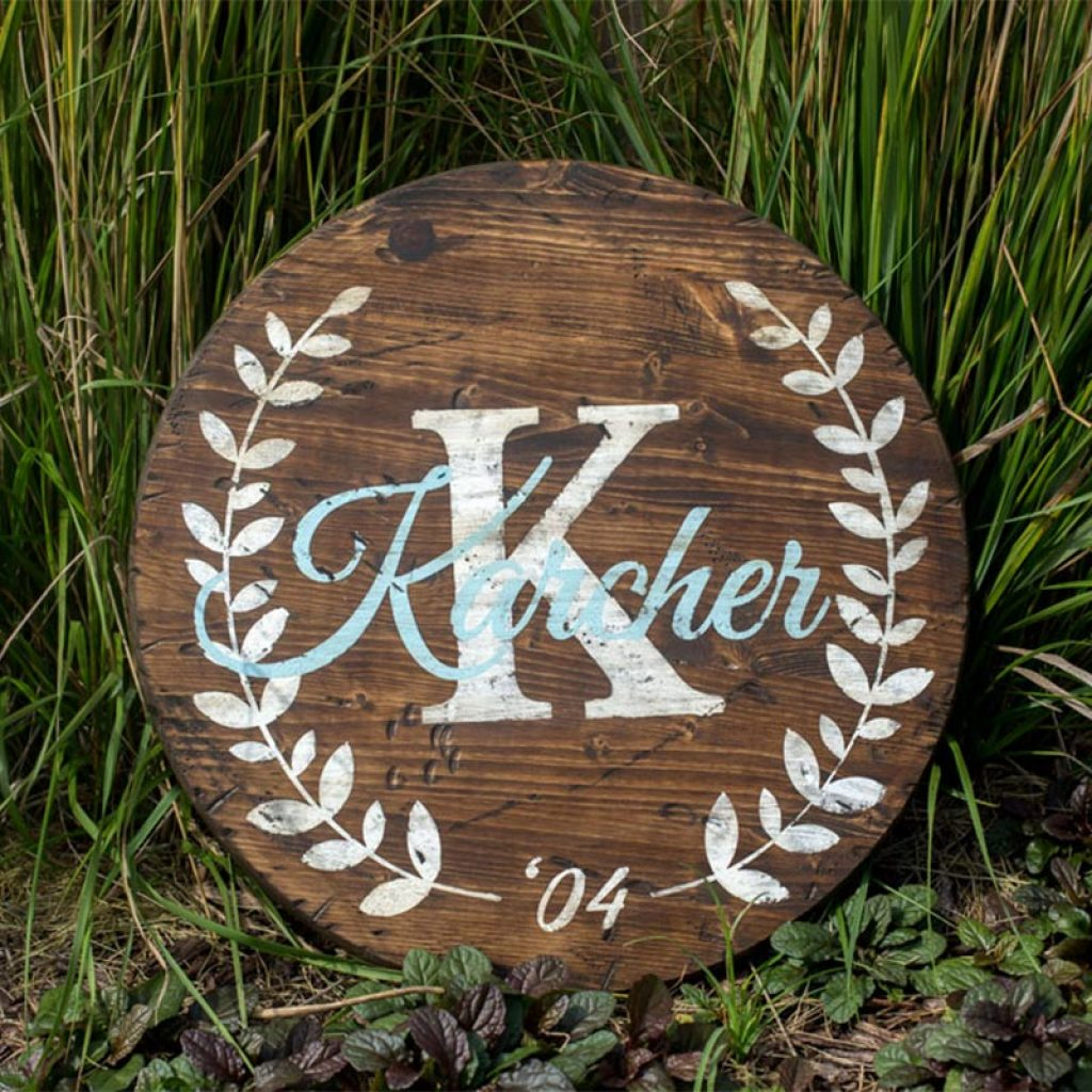 Round Laurel Sign – 18″