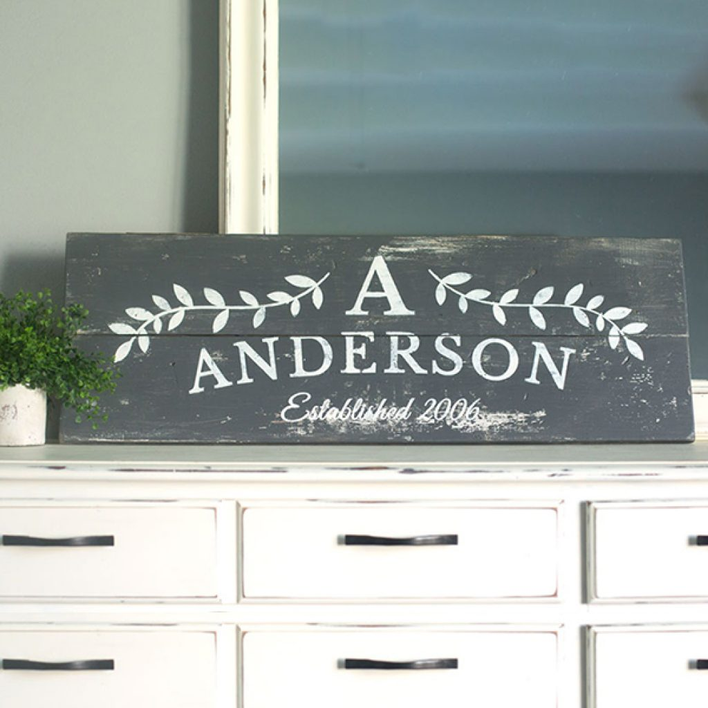 Horizontal Laurel Sign – 12×32