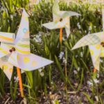 EASY CRAFTS FOR KIDS: PAPER PINWHEEL